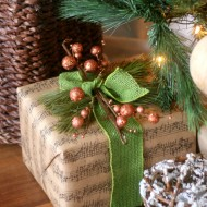 Copper & Green Gift Gift Wrapping Idea +9 Other Fantastic Gift Wrap Ideas